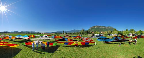 Vintage hang gliders, Laragne