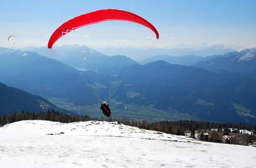 Nova cross country paragliding meet takes place at Greifenburg, Austria, May 2010. Photo: Nova / Till Gottbrath
