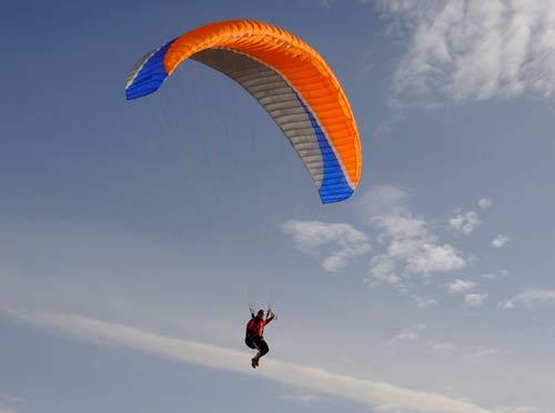 Paratech P28 intermediate paraglider