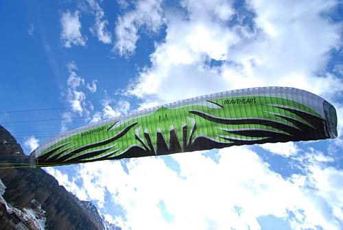 Wings of Change Braveheart high performance paraglider