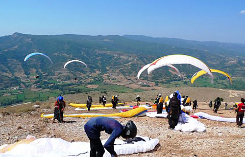 The friendly take-off on Kalana mountain