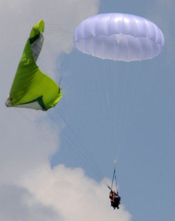 Gin Yeti #50, lightweight rescue parachute for tandem paragliders