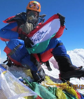 Babu Sunuwar on top of the world on 21 May 2011. This is Babu's updated Facebook profile pic - nice!