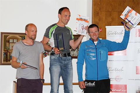 The winners' podium. L-R: Max Mittmann, Thomas Hofbauer, Chrigel Maurer. Photo: Petra Bewertung, www.bordairline.com
