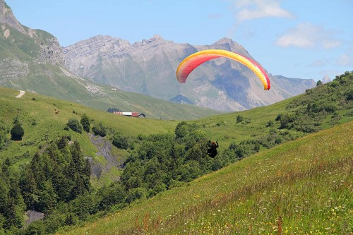 Benoit Pillias flying from the col above Ugine