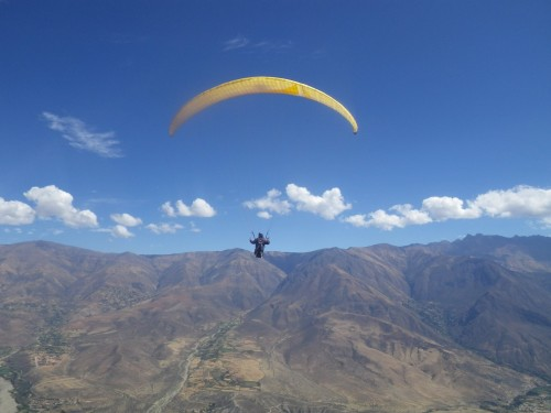 Jeff Cristol paragliding at Caraz in Peru where Xavier Murillo launched from. Photo: Peter Chrzanowski