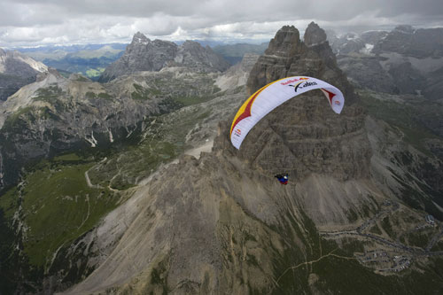 A pilot near the Tri Ceme, Italy, 22 July 2011. Photo: Red Bull X-Alps