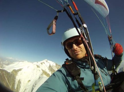Gin's Eric Roussel was among five pilots to top-land 4,807m Mt Blanc on 21 August