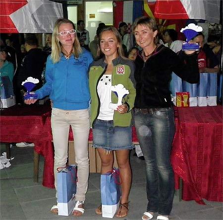 Krusevo Open 2011, women's podium: Nicole Fedele (2), Klaudia Bulgakow (1) and Svetlana Piskareva (3)