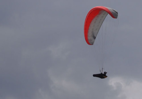In the air but grey skies at the Ager Women's Open. Photos: Judith Mole