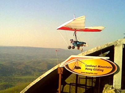 Women-only-hang-gliding-festival-Lookout Mountain USA