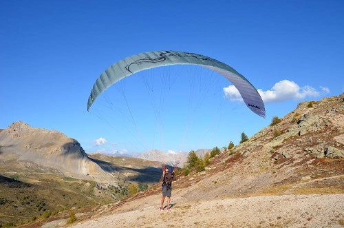 Little Cloud are releasing an updated version of their mini paraglider, the Spiruline, for 2012