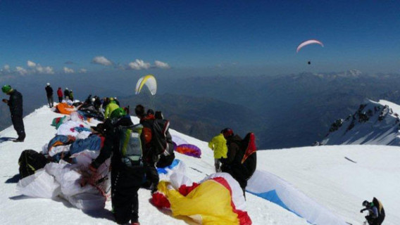The summit of Mont Blanc, where dozens of pilots toplanded on 19 August 2012. Photo: Sylvain Gattini