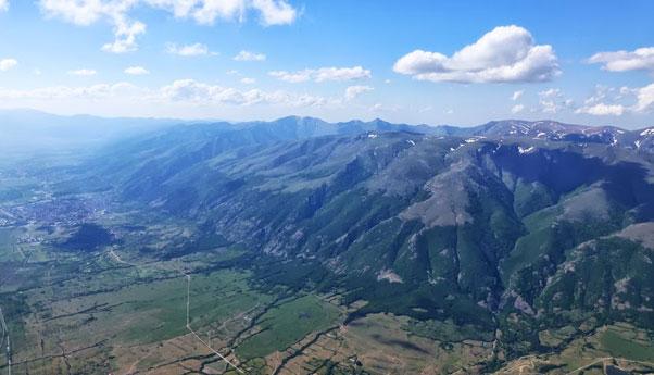 The Sopot ridge, with Sopot to the left. Photo: Yassen Savov