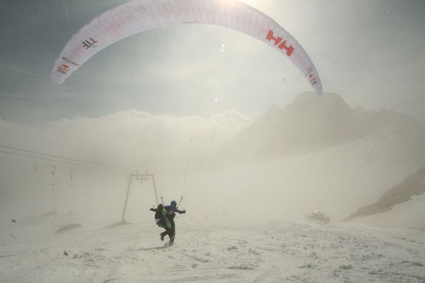 Raul Penso takes off from the Dachstein glacier. Photo: Ed Ewing