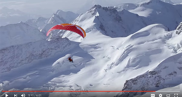 Ueli Steck paragliding