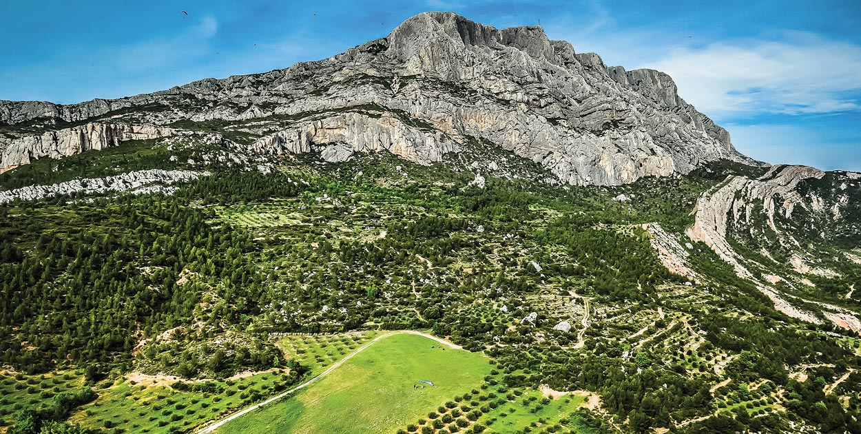 Sainte Victoire, France. Photo: Michel Farrugia / frg-sport.com
