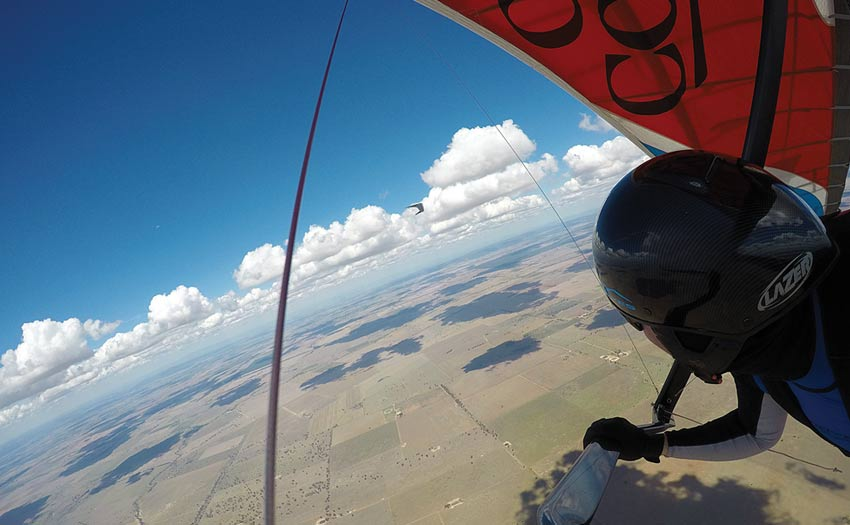 Ollie Chitty hang gliding at Forbes, Australia