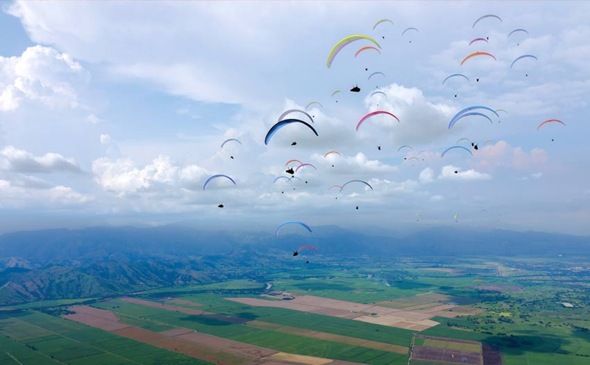 Superfinal gaggle at the Paragliding World Cup Superfinal 2018 Roldanillo, Colombia