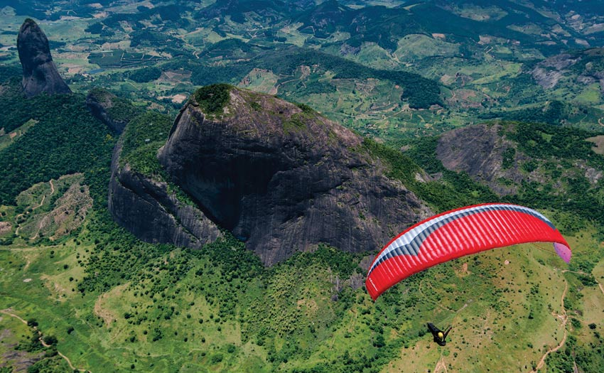 Paragliding in Espirito Santo, by Jerome Maupoint