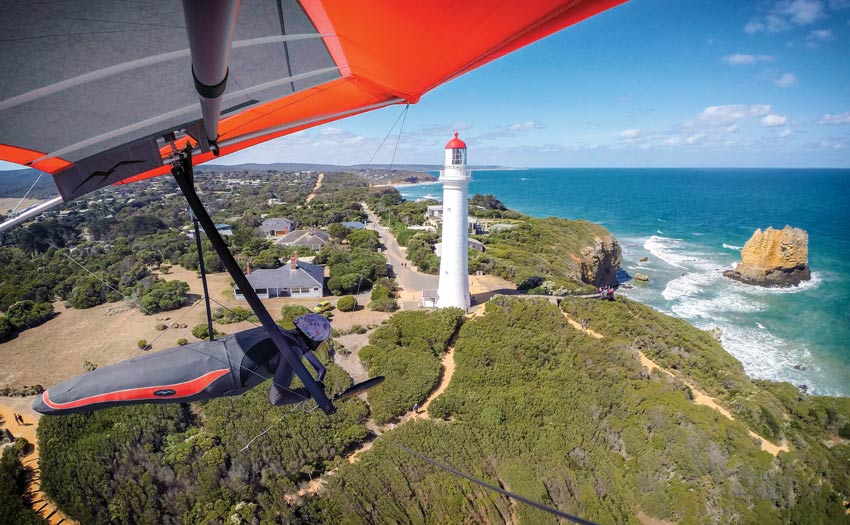 Hang gliding along the Great Ocean Road