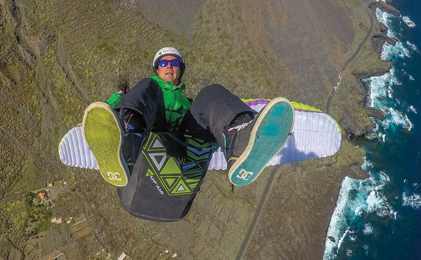 Francois Ragolski paragliding acro in El Hierro