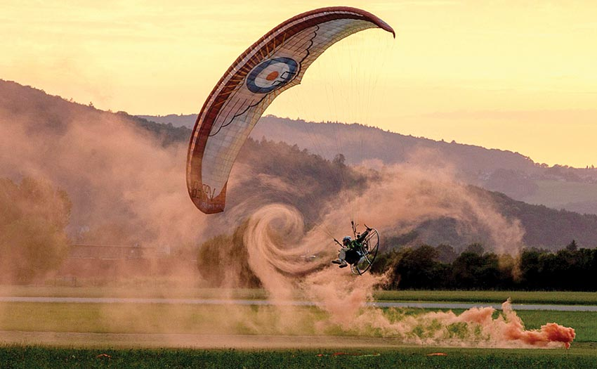 Wake turbulence in smoke while paramotoring. Photo: Ben Donoghue