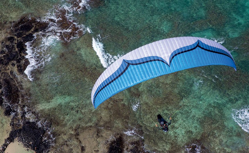 Alpina 3 paraglider review. Photo by Jorge Atramiz