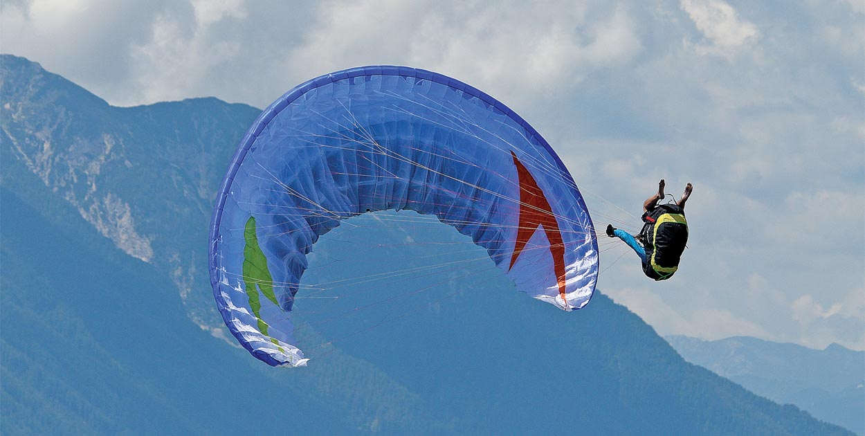 paraglider in stall