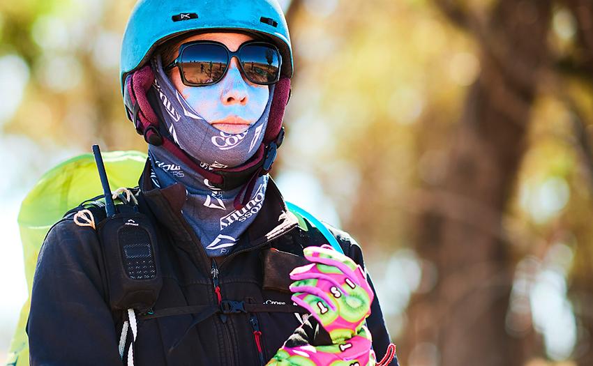Lucy Snowden paragliding in NSW australia. Photot: Jaimi Joy