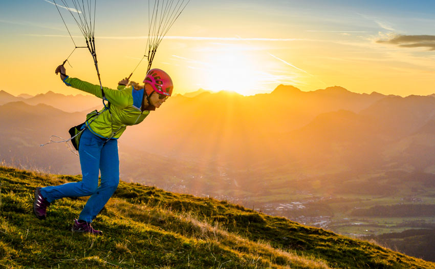 Hike and fly paragliding. Photo: Adi Geisseger