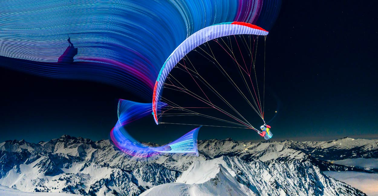 Paragliding by the light of a full moon. Photo: Adi Geisegger