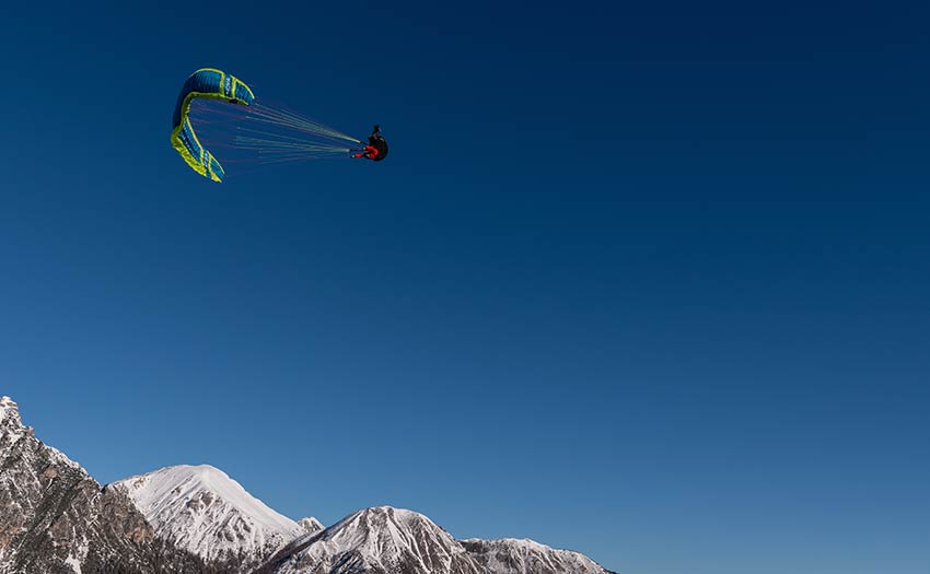 Paragliding with Theo de Blic. Photo: Fabian Gasteiger