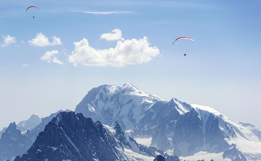 Paragliding above Mont Blanc. Photo: Tobias Dimmler