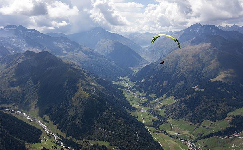 Paragliding guide to Disentis, Switzerland. Photo: Martin Scheel