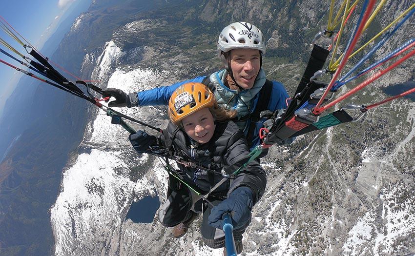 Honza Rejmanek paragliding
