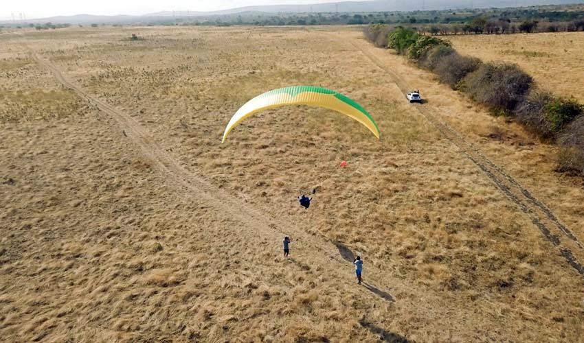 Launching from tow at Tacima. Photo: Rafael Saladini