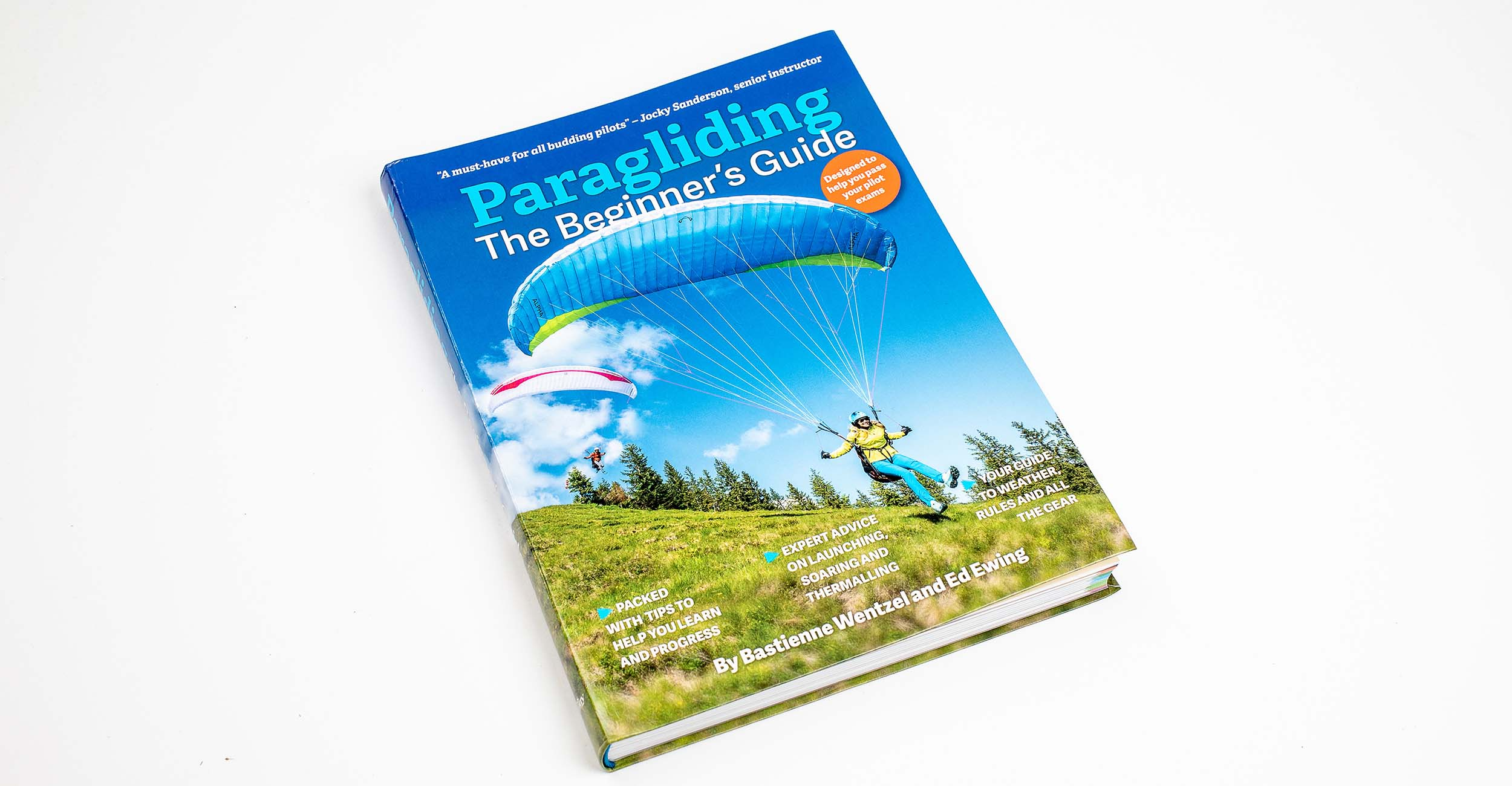 beginners-guide-to-paragliding-2500