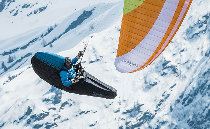 How to choose your paragliding harness