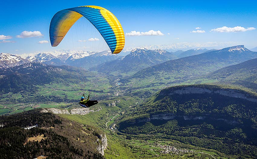 How to choose an EN C paraglider. Photo: Ozone