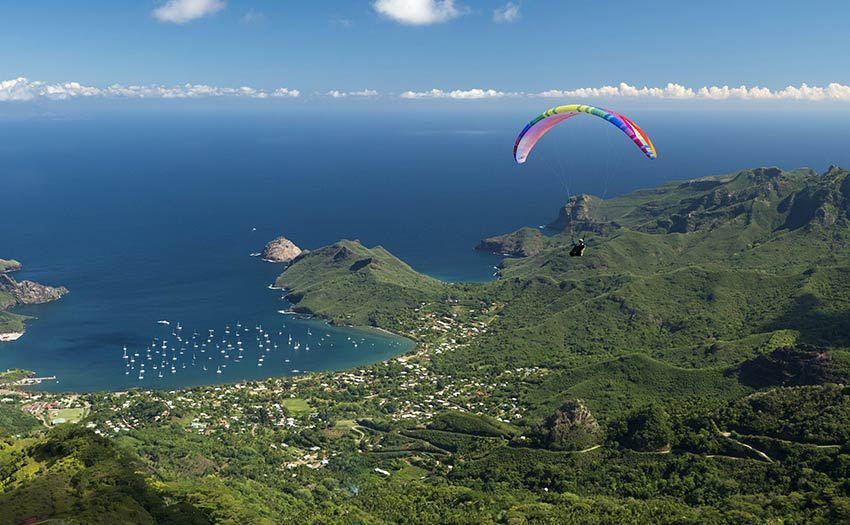 Paragliding in Nuku Hiva. Photo: Vitek Ludvik