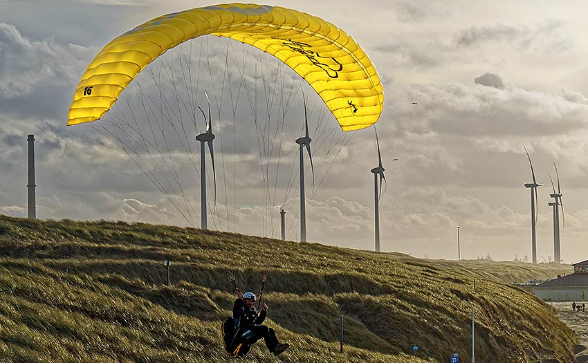 How to choose a lightweight paraglider or miniwing. Photo: Little Cloud