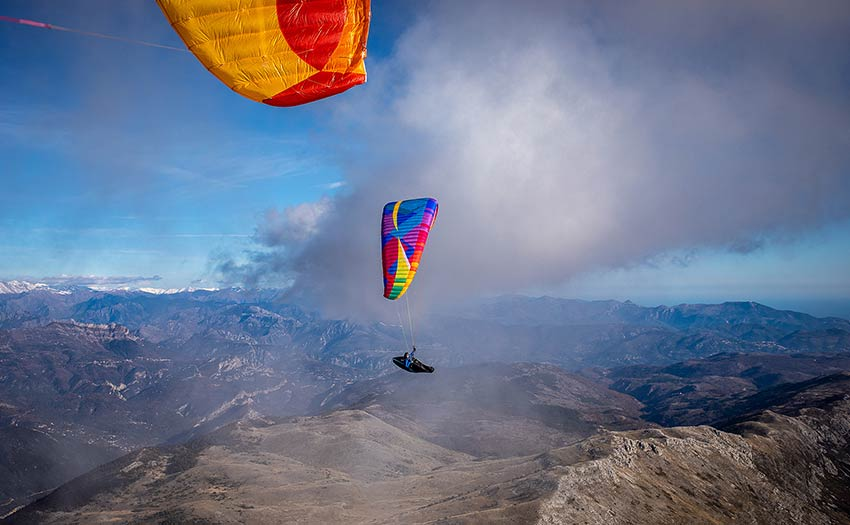 Advanced paragliding with Bruce Goldsmith. Photo: Marcus King