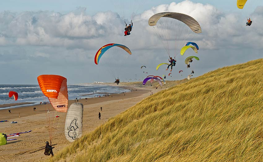 High wind paragliding at Dutch coast