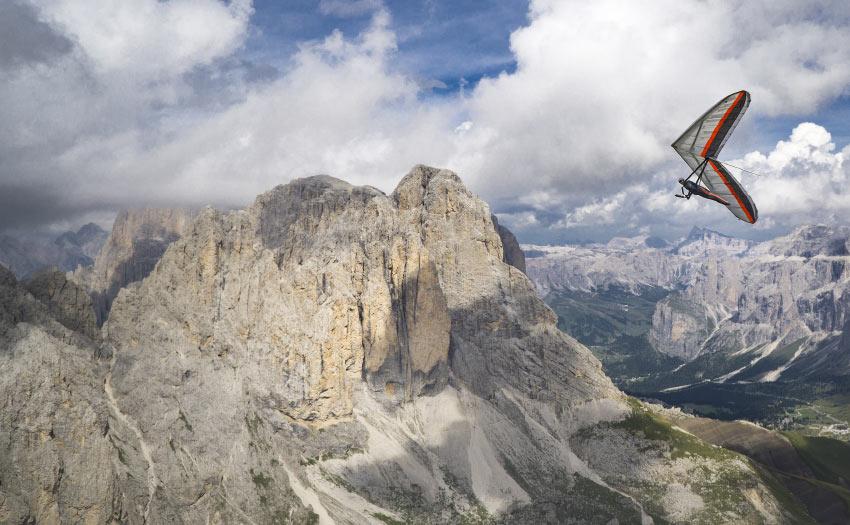 Hang gliding in the Dolomites. Photo: Sasha Serebrennikova