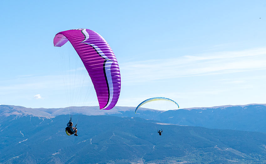 Paragliding with the Kona 2